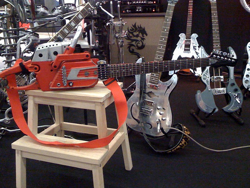 Chainsaw Guitar @