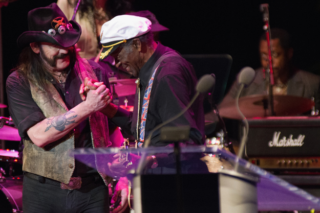 Lemmy Kilmister Salutes Chuck Berry at All-Star Tribute Concert in Cleveland